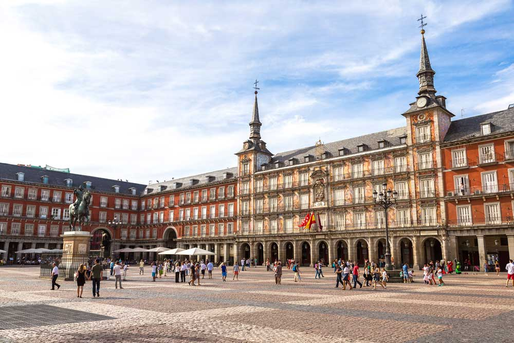 Plaza Mayor Madrid - Visitas guiadas Sevilleventours