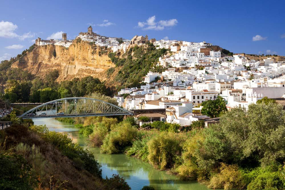 Pueblo de Arcos de la Frontera y Río Guadalete