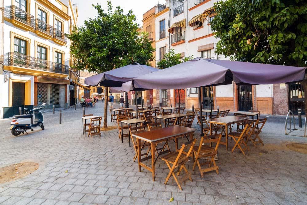 Plazoleta para tapear en Sevilla
