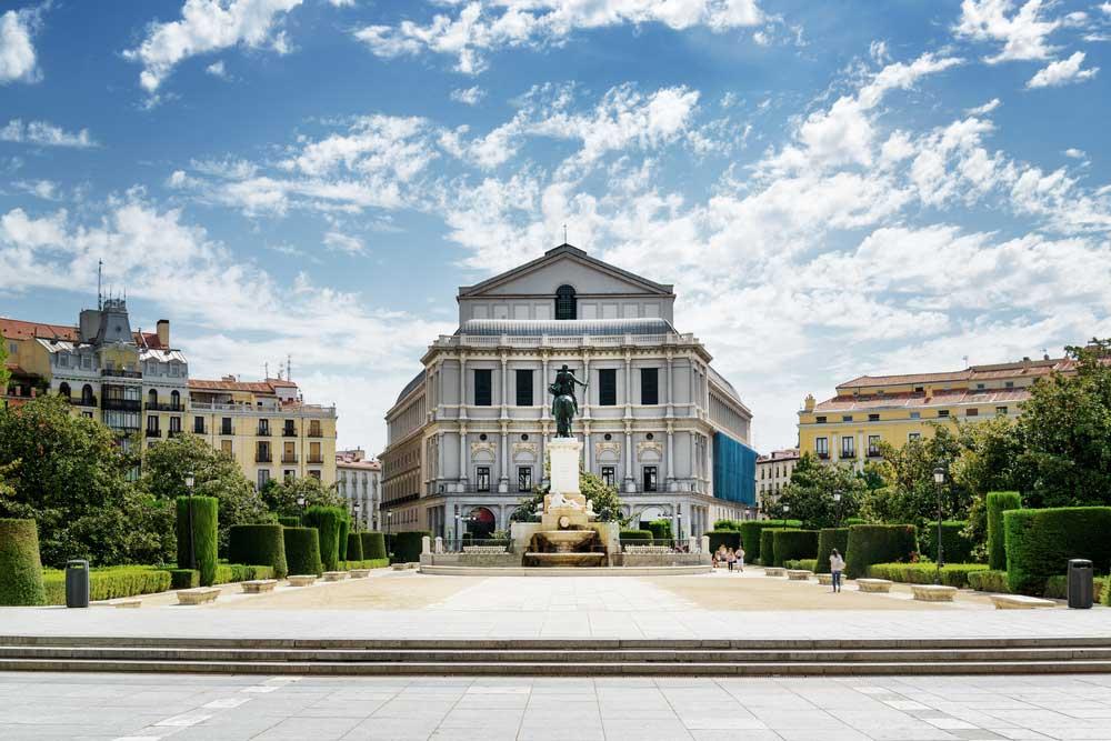 Teatro Real y Plaza de Oriente Madrid - Visitas guiadas Sevilleventours